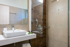 Airis bathroom