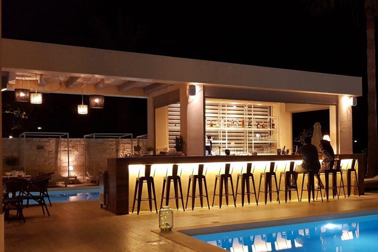 Airis Pool Bar - night view